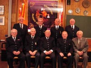 Das Bild zeigt nicht alle aktuellen Mitglieder der Ehrenabteilung sondern den Stand von 2002